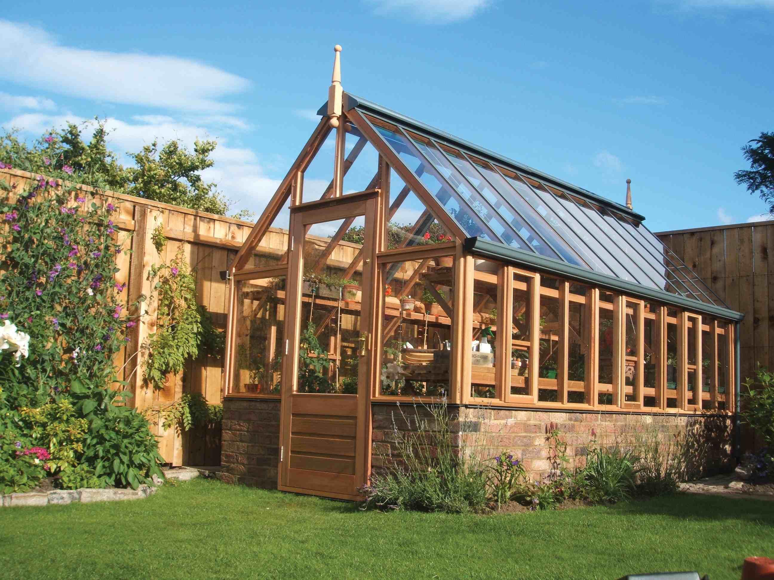 serre de jardin en bois gabriel ash mod le wisley lionel coulot gardens. Black Bedroom Furniture Sets. Home Design Ideas
